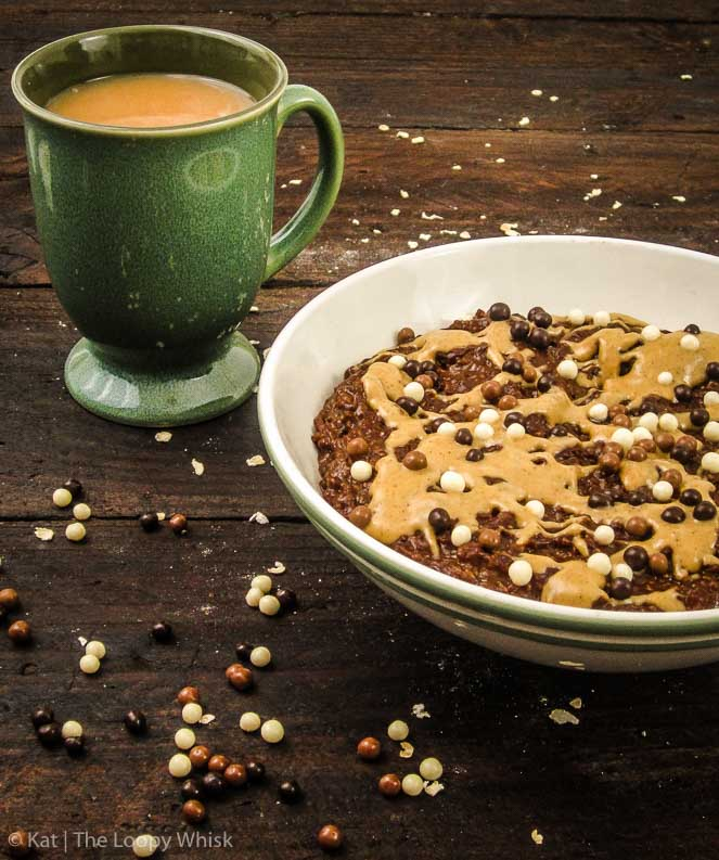 Chocolate Peanut Butter Oatmeal - Quick, easy, and tastes like dessert! Only 10 minutes are required to make this finger-lickingly delicious breakfast.