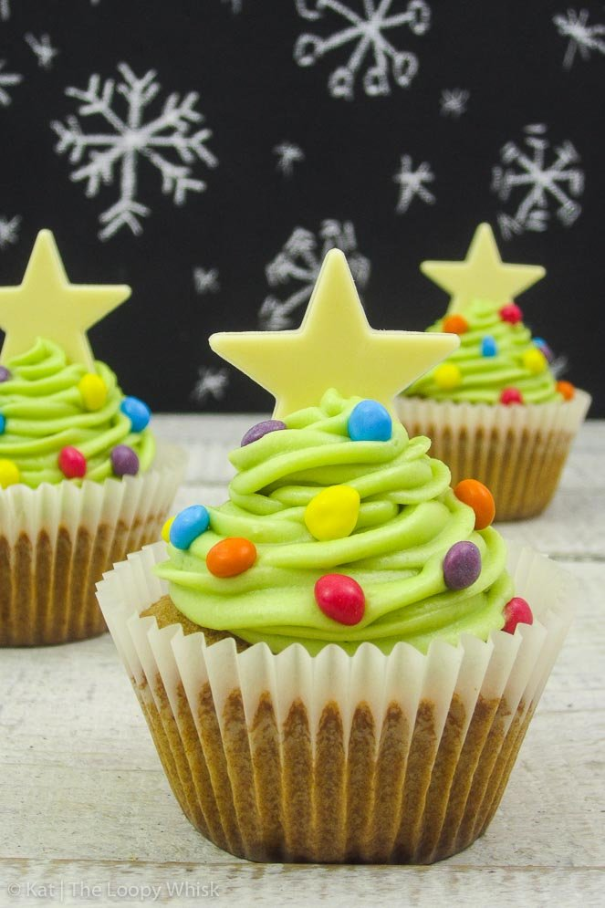 Christmas Tree Cinnamon Cupcakes - Elegance meets quirkiness in these fluffy, delicious cupcakes that will be a hit with both children and adults. You definitely won't regret making them this Christmas!