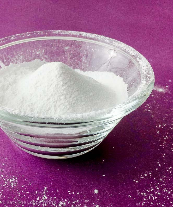 Aluminium Free Homemade Baking Powder - This super-easy formula for aluminium-free homemade baking powder works just as well as the store-bought version. Moreover, itgives you the peace of mind both when it comes to the appearance and taste of your baking, and to your health.