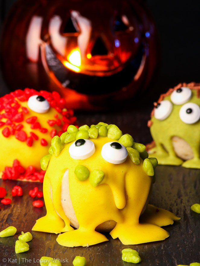 """Spooky"" Monster Halloween Cake Balls {gluten, nut & soy free, dairy free option} - These monster Halloween cake balls are the perfect Halloween sweet treat – easy to make, ridiculously delicious and super fun to decorate. With a gluten free sponge cake as the base and with a dairy free option. Can be made into Halloween cake pops!"