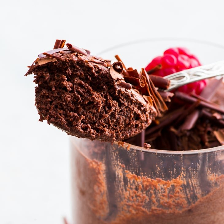 3-Ingredient Vegan Chocolate Mousse with Aquafaba (Gluten Free, Dairy Free, Vegan) - This vegan chocolate mousse is every chocolate lover's dream. With only 3 ingredients, it couldn't be easier to make. And the aquafaba gives this delicious vegan dessert the most amazing fluffy texture. Vegan chocolate dessert. Easy vegan recipes. Quick dessert idea. Dairy free mousse. Aquafaba mousse. No bake dessert. Chocolate recipes. #aquafaba #vegan #dessert #chocolate #mousse #recipe #easyrecipe