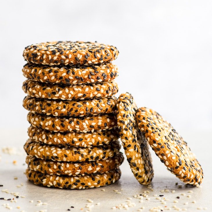 Quick + Easy Vegan Tahini Cookies (Gluten Free, Dairy Free, Vegan, Paleo) - If you have 30 minutes to spare, make these delicious vegan tahini cookies. They're healthy and easy to make – but more importantly, with their crispy caramelised edges, sweet chewy centre and an amazing tahini flavour… they're absolutely to die for. Easy cookie recipe. Quick cookies. Tahini recipes. Quick dessert recipes. Healthy dessert recipes. Healthy cookies. Vegan cookies. Vegan dessert recipes. #cookies #tahini