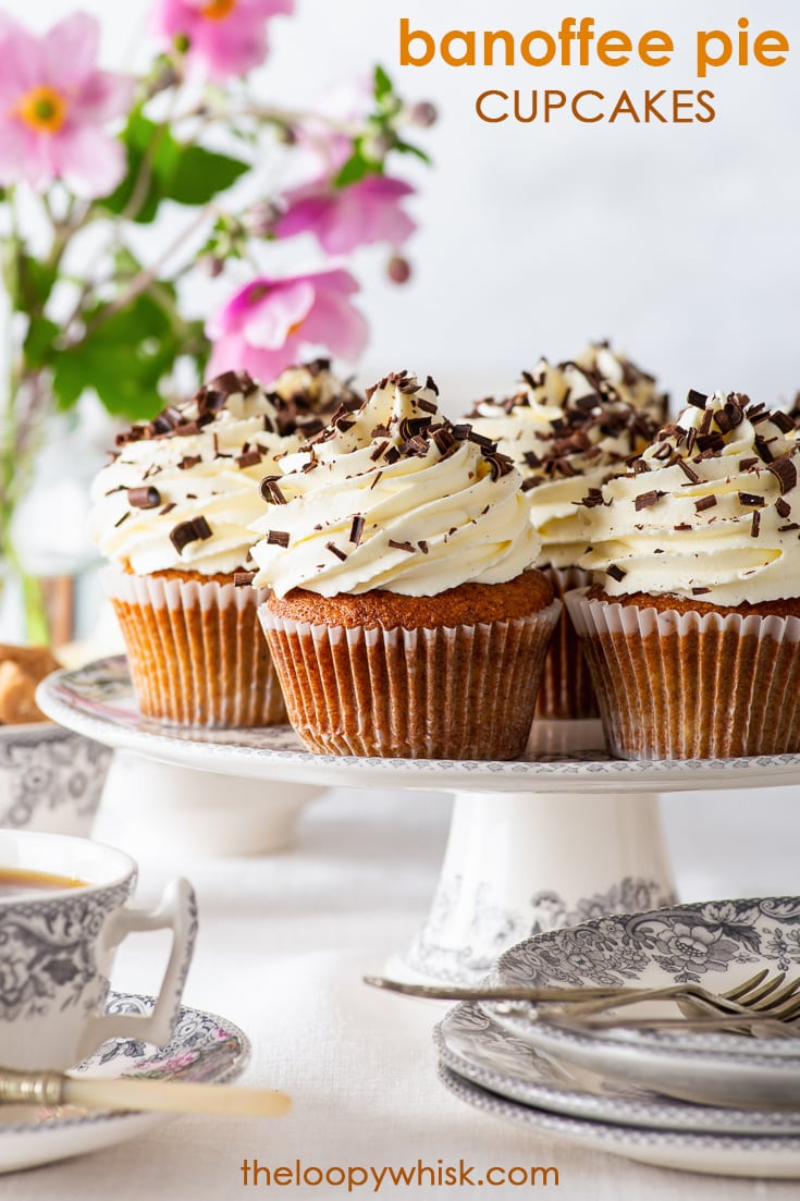 Banoffee Pie Cupcakes (Gluten Free) - [SPONSORED] These banoffee pie cupcakes have it all – the moist banana cupcakes, the luscious caramel centre and the fluffiest of whipped cream frostings. Complete with a generous sprinkle of chocolate shavings, they are delicious to eat, pretty to look at AND easy to prepare. Gluten free cupcakes. Cupcake decoration. Afternoon tea recipes. Easy cupcake recipes. Gluten free dessert recipes. Salted caramel sauce. #cupcakes #glutenfree