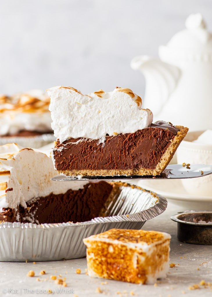 Side view of a piece of hot chocolate pie being served.