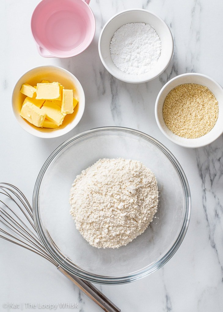 The ingredients required to make vegan shortcrust pastry.